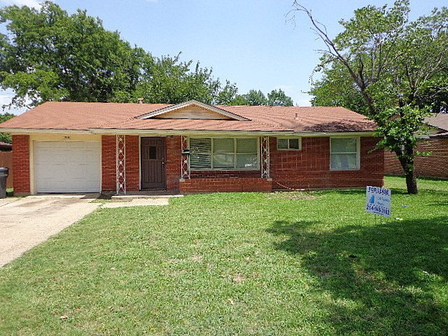 house for rent in 7110 brierfield drive dallas tx